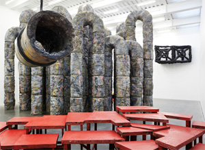 Phyllida Barlow's Siege (installation view) (photo by Benoit Pailley, New Museum, 2012)