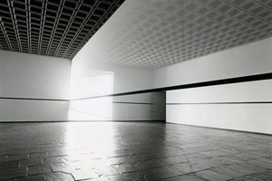 Robert Irwin's Scrim veil—Black rectangle—Natural light (photo by Warren Silverman, Whitney Museum of American Art, 1977)