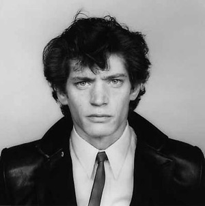 Robert Mapplethorpe's Self-Portrait (Sean Kelly gallery, 1982)