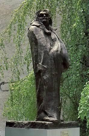 Auguste Rodin's Balzac (Museum of Modern Art, 1897)